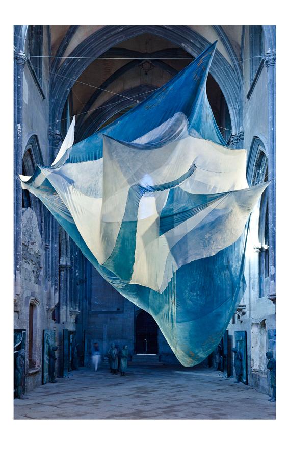 installation art textile contemporain indigo aurore pélisson